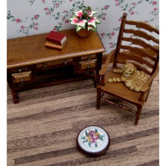 Alice green foot stool kit dollhouse miniature needlepoint accessories petit point embroidery