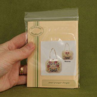 Dollhouse needlepoint handbag purse Delicate flowers kit packet