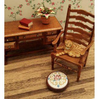 Dollhouse needlepoint round footstool Judith room furniture accessories