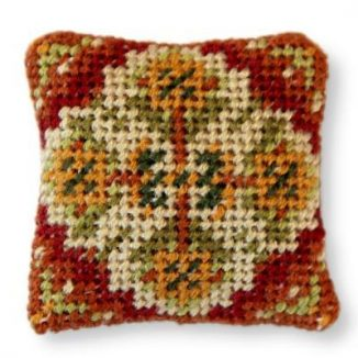 Dollhouse needlepoint cushion - Yvonne (olive)