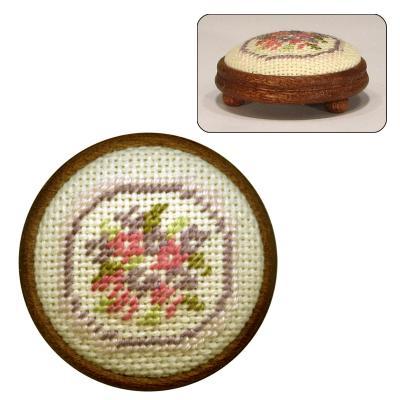 Dollhouse needlepoint footstool kit Lilian (pink)