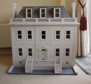 Susan's Georgian dollhouse
